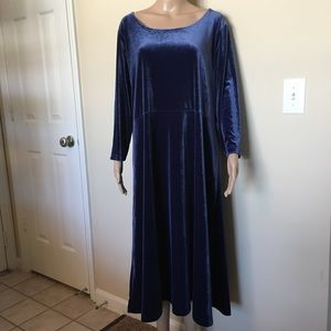 Elegant Blue Velvet Dress